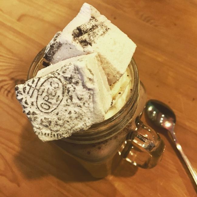 Marshmallow Lady - Vanilla & Oreo